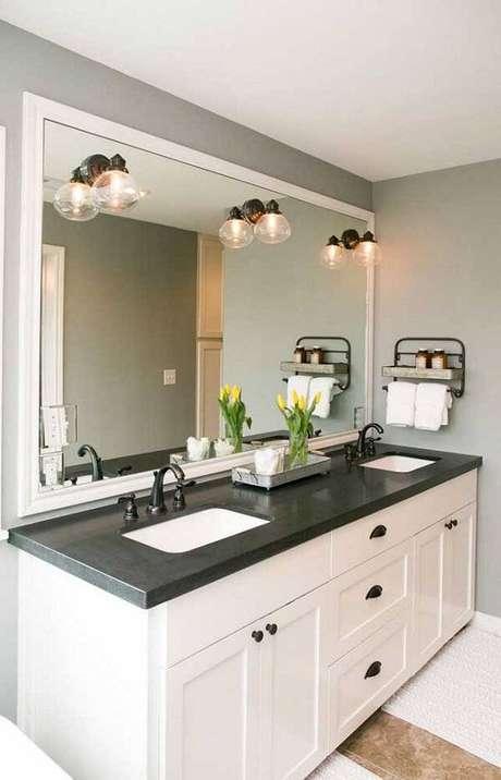 42. Banheiro clean com bancada de granito verde ubatuba. Fonte: Pinterest