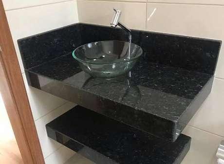 47. Bancada de banheiro com granito verde ubatuba. Fonte Pinterest