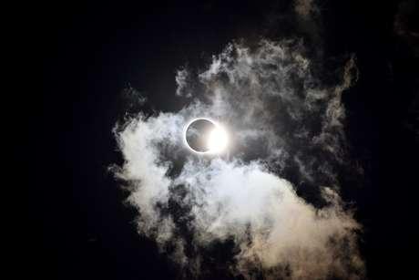 O último eclipse do ano chega para abrir novos caminhos
