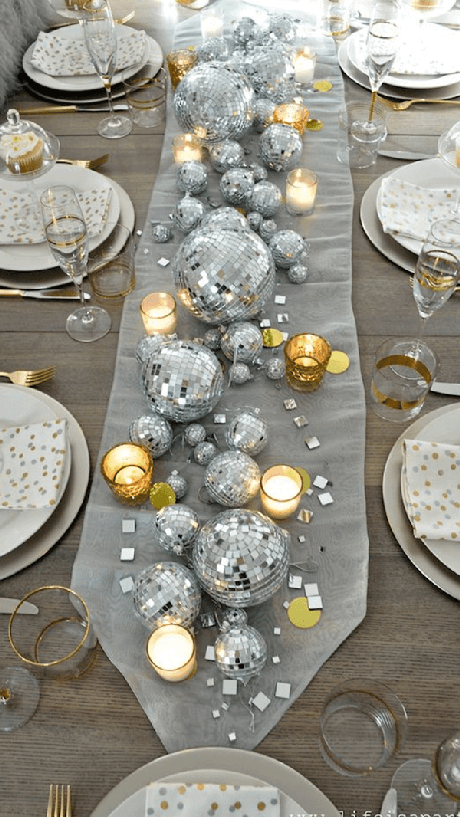 4. Para decorar a mesa utilize itens que foram aproveitados no Natal. Fonte: Pinterest
