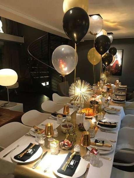 6. Os balões não podem faltar na decoração de Ano Novo. Fonte: Pinterest