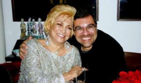 Hebe e Marcello em momento 'gracinha': mãe e filho sempre manifestaram carinho mútuo