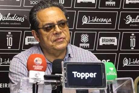Presidente do Figueirense não se preocupa com STJD: 'Cumprimos todas obrigações'.