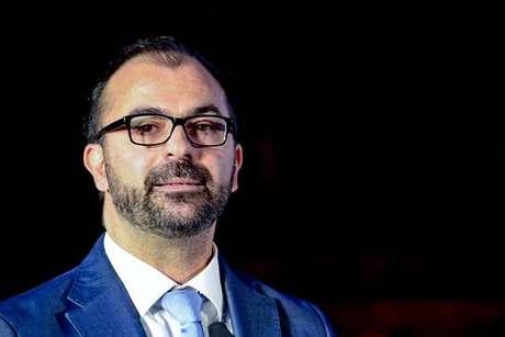 Ministro italiano renuncia por falta de fundos para Educação