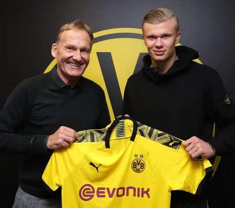 Borussia Dortmund supera a concorrência de gigantes (Foto: Divulgação/BVB)