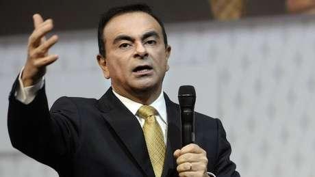 As condições da soltura de Ghosn sob fiança incluíam monitoramento de sua casa com câmeras de segurança e a entrega dos do executivo passaportes aos advogados de defesa