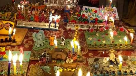 Na casa de Anna Beatriz Dodeles, a celebração do hanukah, no final do ano, ganhou um toque brasileiro com a troca de presentes