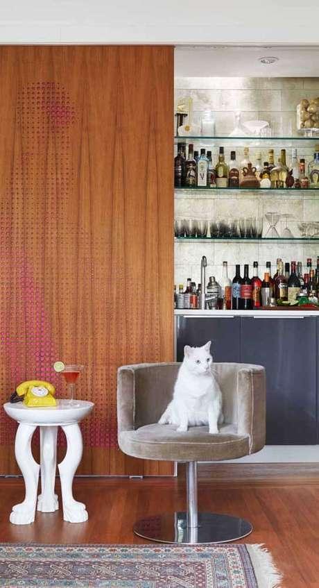 25. A poltrona giratória possui uma série de usos. Foto: Pinterest