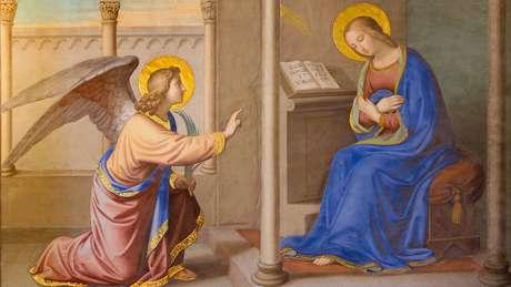 Durante a Idade Média, a Igreja Católica preferiu marcar o Ano Novo em 25 de março, Dia da Anunciação