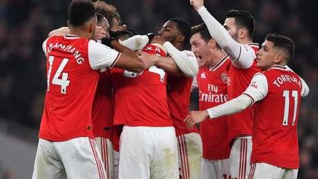 Arsenal celebra primeira vitória sob tutela de Mikel Arteta (Foto: BEN STANSALL / AFP)
