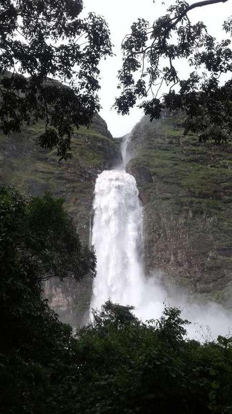 Cachoeira Casca d'Anta, no Parque Nacional da Serra da Canastra, com alta vazão após chuvas
