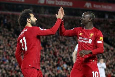 Salah e Mané marcaram os gols do Liverpool.