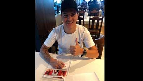 Bruno Ritter assinou contrato válido por três temporadas com o clube da capital do Bahrein (Foto: Divulgação)