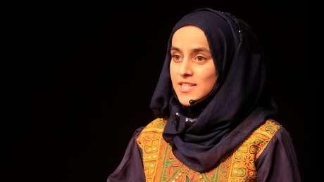 Nargis Taraki durante um TEDTalk: 'Acredito no que eu quero alcançar na vida, e não vou abrir mão disso'