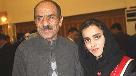 Nargis diz que o apoio do pai foi fundamental para que ela se tornasse a pessoa que é hoje