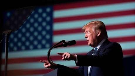 'Se o Irã atacar uma base americana, ou qualquer americano, vamos mandar alguns desses belos novos equipamentos na direção deles... sem hesitar', afirmou Trump via Twitter