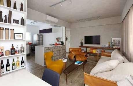 31. Sala de estar com poltronas confortáveis e lindas – Projeto: Mab 3 Arquitetura