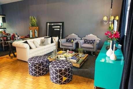 38. Decoração de sala de estar com móveis retrô – Via: Casa Aberta