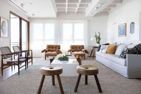 39. Sala de estar com 2 poltronas moles – Projeto: Diptico