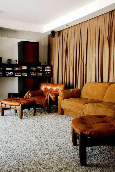 9. Conjunto de poltronas moles combinando com o sofá – Projeto: Olegario Desa