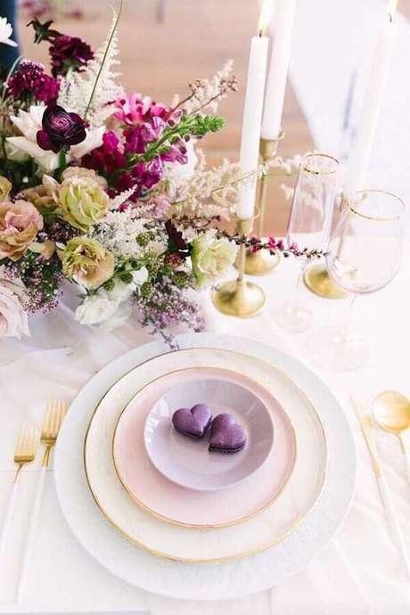 60. Delicada decoração para mesa posta para festa de aniversário de casamento – Foto: Pinterest