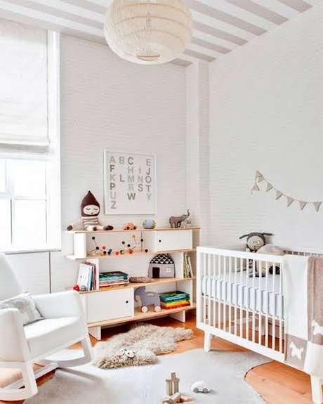 4. Móveis retrô branco e delicados para quarto de bebê – Projeto: Limão na água