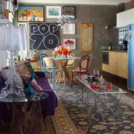 57. Móveis retrô estilo anos 70 – Projeto: Rodrigo Angulo Arquitetura