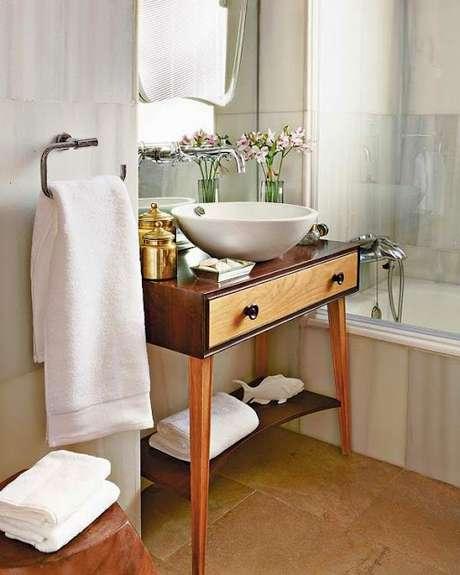 59. Móveis retrô para banheiro – Via: Casa Construção