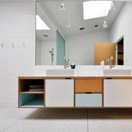 60. Móveis retrô para banheiro – Via: Casa e Construção