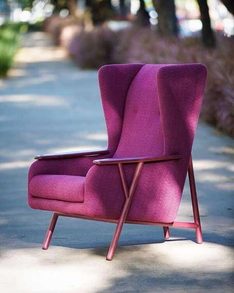 15. Poltrona roxa estilo retrô – Via: Pinterest