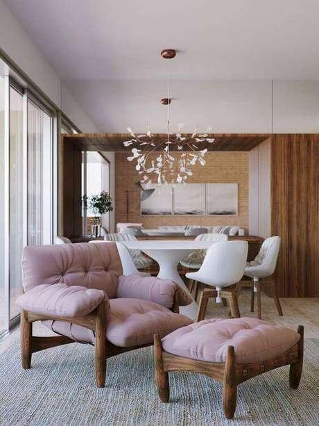 2. Combine as cores da poltrona com a sala de estar ou sala de jantar – Via: Original Home