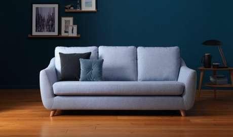 21. Sofá retrô azul claro com sala combinando – Foto: G Plan