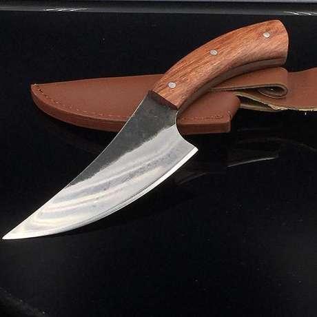 11. Muitos tipos de facas se definem pelo formato da lâmina. Foto: Jenquard