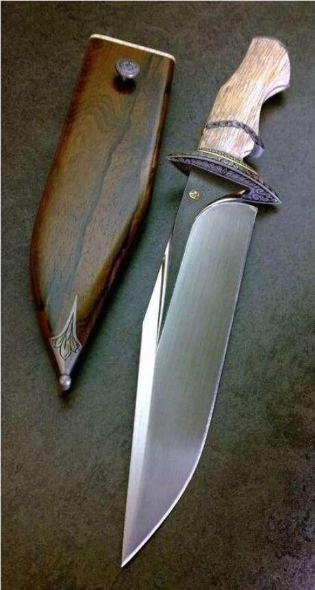23. Alguns tipos de facas possuem bainha de madeira. Foto: Welddiing Life with Style