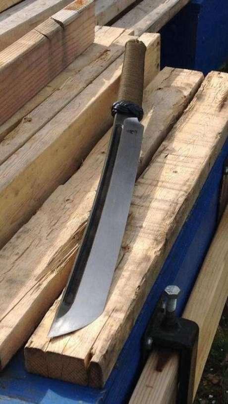 26. Bom tipos de facas são os que oferecem o melhor corte. Foto: Weliing Life