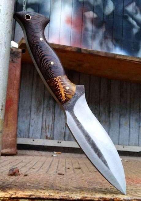 28. Alguns tipos de facas possuem a ponta como o principal elemento. Foto: VK