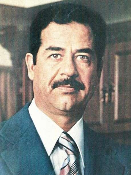 Então líder iraquiano, Saddam Hussein invadiu o Irã em 1980