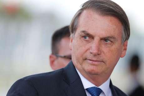 Presidente Jair Bolsonaro ao deixar o Palácio da Alvorada  12/12/2019 REUTERS/Adriano Machado