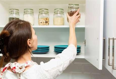 Confira dicas simples para ganhar mais espaço na cozinha