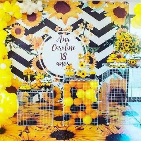 25. Decoração em aramado para festa tema girassol. Fonte: Pinterest