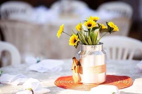 9. Decoração peculiar para tema de festa girassol simples. Fonte: Moema David Fotografia