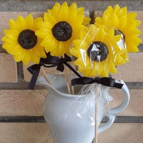 72. Sabonete artesanal para festa tema girassol. Fonte: Pinterest