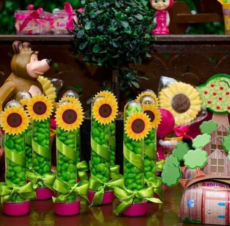 79. Tubetes para festa tema girassol. Fonte: Pinterest