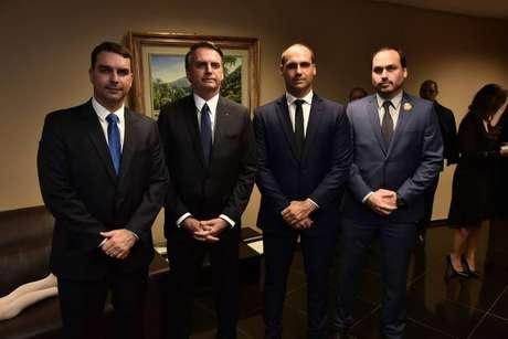 O presidente Jair Bolsonaro e seus filhos políticos aumentaram em 70% seus seguidores no Twitter em 2019