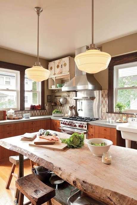 55. Decoração com luminária para cozinha