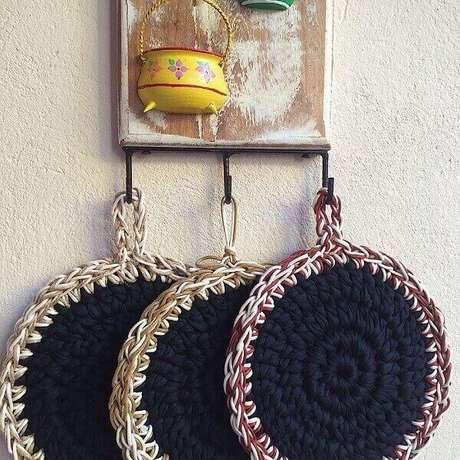 41. Descansos de panela feitos de crochê. Fonte: Pinterest
