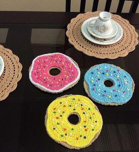 42. Conjunto de descanso de panela em formato de Donuts. Fonte: Pinterest