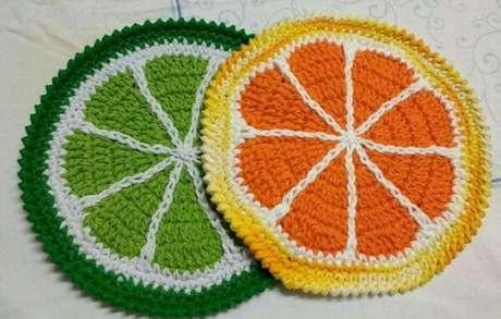 23. Descansos de panela feitos de crochê simulam frutas cítricas. Fonte: Pinterest