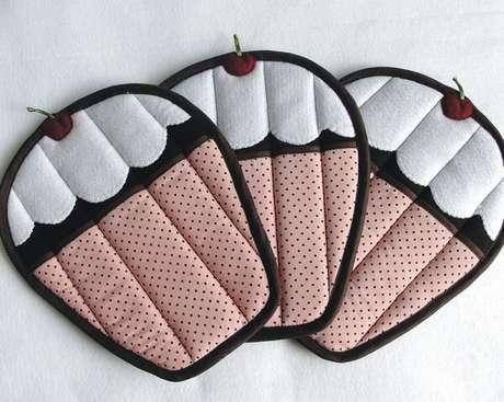 27. Descansos de panela de patchwork em formato de cupcake. Fonte: Pinterest