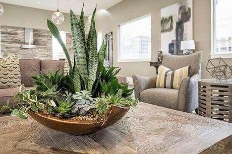 56. Enfeites de mesa com plantas – Via: Pinterest